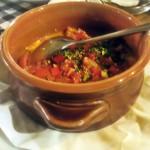 Zapečena feta sa paradajzom i maslinovim uljem