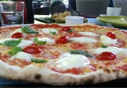 Rustique, pizza