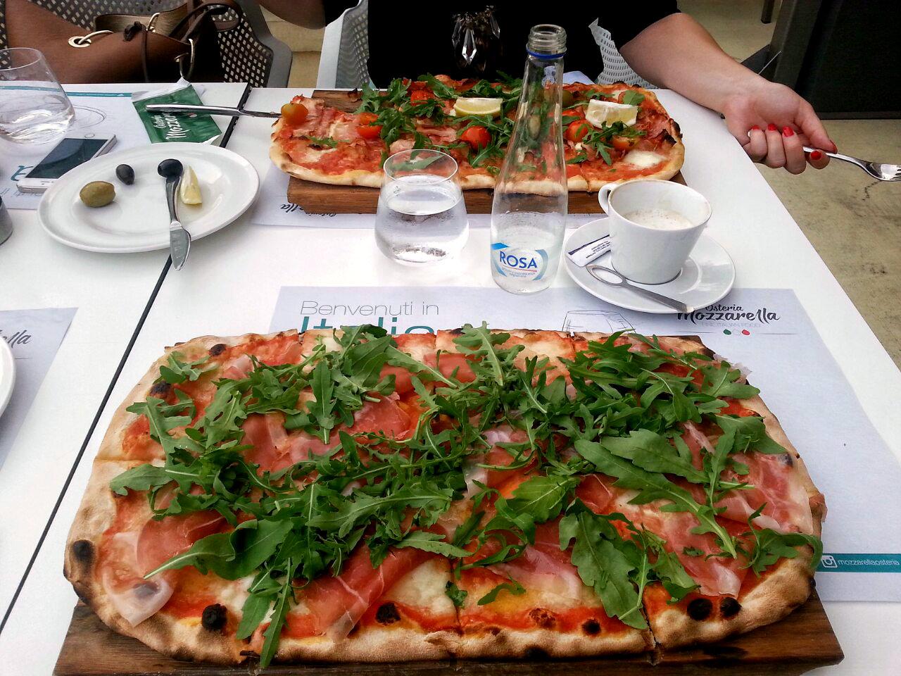 pizza-mozzarella-osteria